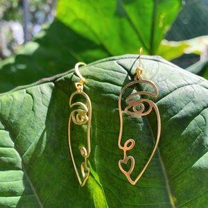 Gold wire Face Earrings ✨